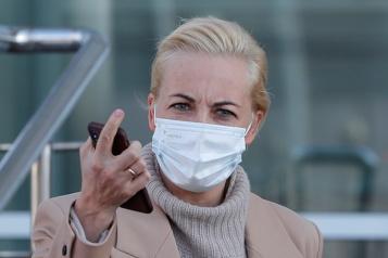 Russie La femme d'Alexeï Navalny «inquiète» après l'avoir vu en prison)