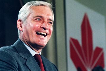 L'ancien premier ministre canadien John Turner s'est éteint )