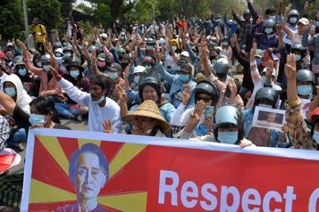 H&M suspend ses commandes en Birmanie en raison de «difficultés pratiques»)