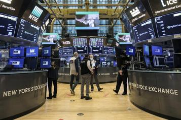 Le Dow Jones et le S&P 500 finissent la semaine sur des records)