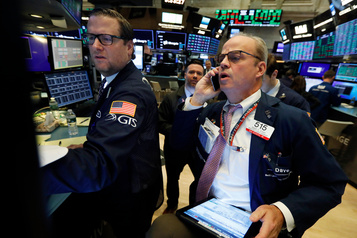 Wall Street marque une pause dans sa course aux records