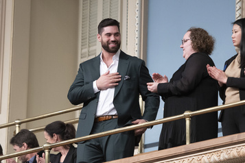 Laurent Duvernay-Tardif honoré à l'Assemblée nationale