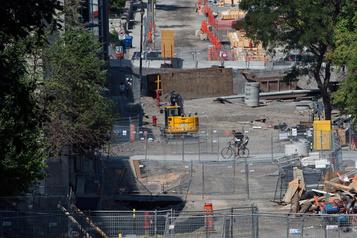 Québec veut réduire les règles de planification des projets d'infrastructure)