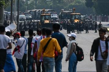 États-Unis, UE, G7 Pressions croissantes sur la junte en Birmanie, poursuite des manifestations)