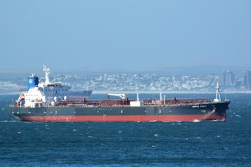 Pétrolier attaqué en mer d'Oman Israël accuse l'Iran, qui nie en bloc)