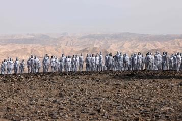 Israël Des personnes posent nues près de la mer Morte pour Spencer Tunick