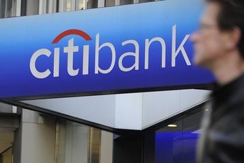Les banques américaines garnissent leurs provisions de milliards de dollars)
