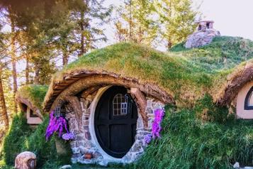 Colombie-Britannique Un Airbnb hommage aux Hobbits doit changer de nom)