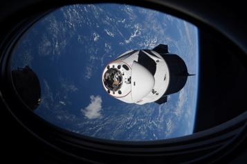 Station spatiale internationale Quatre astronautes en route vers la Terre à bord de la capsule Crew Dragon)