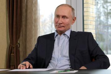 Accusations de l'opposant Navalny Poutine nie posséder un palais)