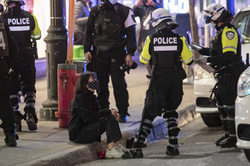 Couvre-feu Des manifestants moins nombreux que la veille)