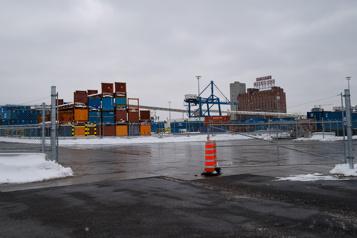 Transport maritime QSL accoste à Montréal)