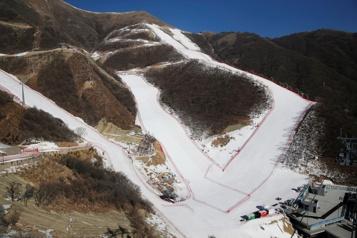 Jeux olympiques de 2022 Pékin présente ses pistes de ski alpin et de bobsleigh)