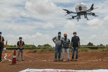 Inde Premiers essais de livraison par drone  pour atteindre des zones reculées)
