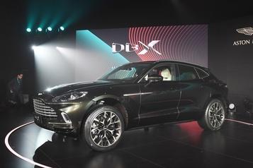 Aston Martin présente son premier VUS, le DBX