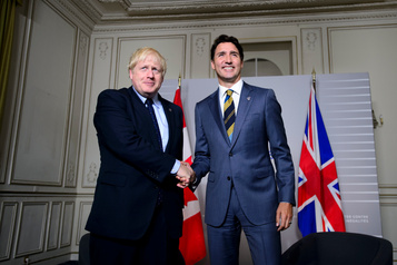 Justin Trudeau rencontre Boris Johnson et Shinzo Abe au G7