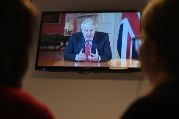 COVID-19 Boris Johnson appelle les Britanniques à la « discipline » face aux restrictions)