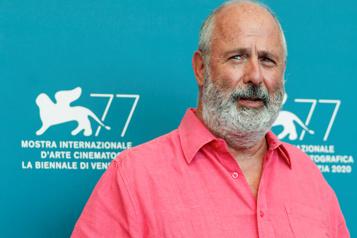 Le réalisateur Roger Michell meurt à 65ans)