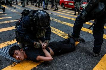 Hong Kong: le président chinois met en garde les manifestants