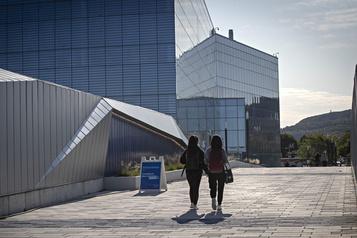 Legault plaide pour un rapprochement entre recherche et industrie