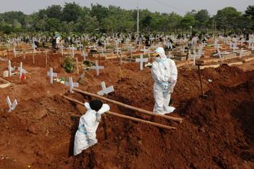 Bilan de la pandémie Plus de 4169000 morts dans le monde)