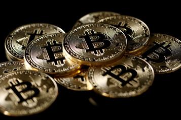Aidé par Elon Musk Le marché du bitcoin dépasse 1000milliards de dollars)