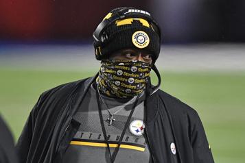 L'entraîneur-chef des Steelers est atteint de la COVID-19)