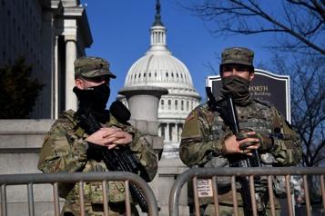 Le FBI contrôle les militaires avant l'investiture de Joe Biden)