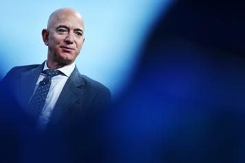 NASA Jeff Bezos offre une réduction de 2milliards pour un alunisseur)