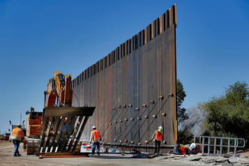 Le Pentagone débloque 3,8milliards de plus pour le mur de Trump
