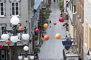 Le Vieux-Québec «va fermer detous bords tous côtés»)