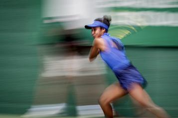 Leylah Annie Fernandez surprend Sloane Stephens en deux sets)