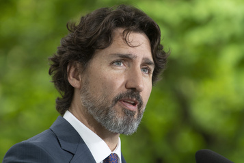 Trudeau veut donner à tous 10jours de congé de maladie payé)