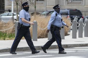Les corps de police américains peinent à recruter)