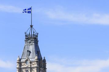 4,9milliards de déficit en trois mois à Québec )