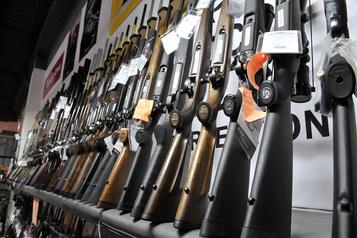 Armes à feu: PolySeSouvient souhaite une limite de cinq balles par chargeur)