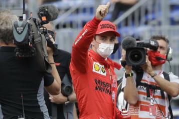 Charles Leclerc en position de tête à Monaco)