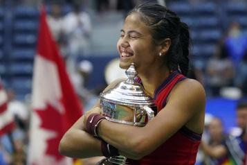 Internationaux des États-Unis La Grande-Bretagne et le monde du tennis félicitent Emma Raducanu)