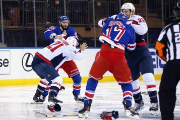 Les Capitals gagnent un match explosif contre les Rangers)