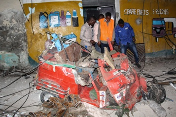 Islamistes  Un minibus roule sur un engin explosif en Somalie, 15 morts)