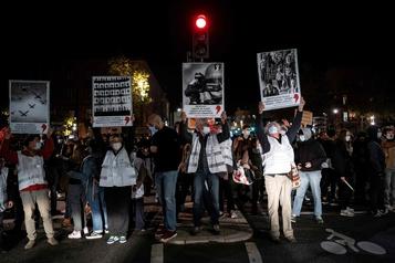 Producteur noir tabassé à Paris Onde de choc en France, quatre policiers en garde à vue)