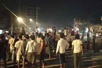 Birmanie Nuit de raids et d'arrestations à Rangoun, les forces de sécurité déployées)