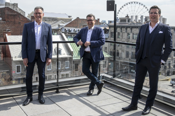 élections municipales Coderre recrute un ex-dirigeant de Québecor)