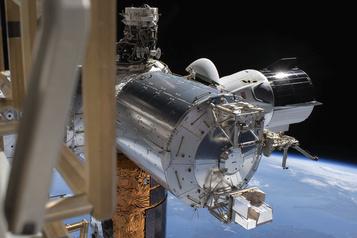 Un ouragan pourrait retarder le retour sur Terre de la capsule habitée de SpaceX)