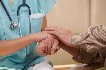 Les Canadiens nettement en faveur d'une aide médicale à mourir élargie