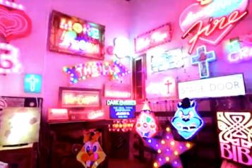 Un marché historique de Londres se pare de néons pour faire revenir les visiteurs)