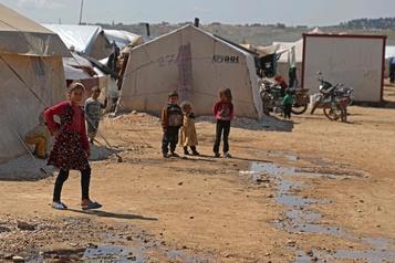 Syrie: le dépistage commence bientôt à Idlib, craintes de catastrophe sanitaire