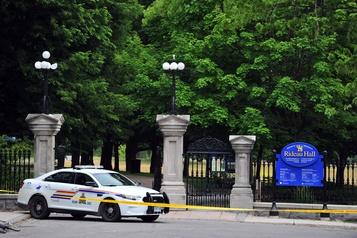 Intrus armé à Rideau Hall: la GRC réplique aux critiques)
