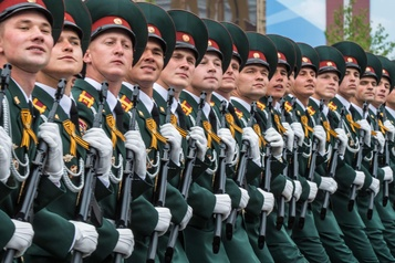 Le pic de la pandémie «passé», Poutine fixe au 24juin le défilé de la victoire)