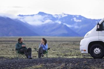 L'Islande rétablit le test négatif pour les voyageurs vaccinés)